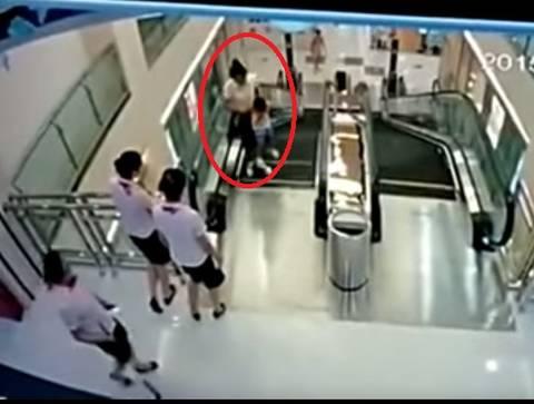 中国 エスカレーター 死亡 事故